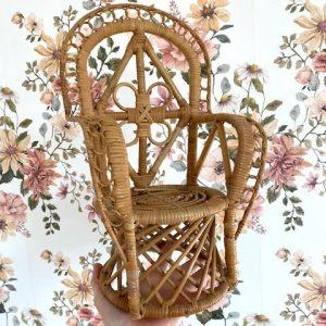 chaise-rotin-poupée
