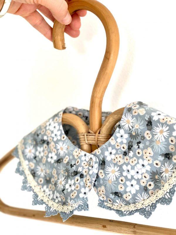 col-fleurs-bleue